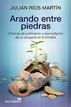 ARANDO ENTRE PIEDRAS